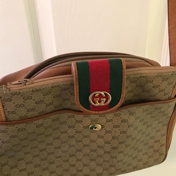 6a12f64955ce Gucci Handbags - Authentic Gucci purse - in very good condition !